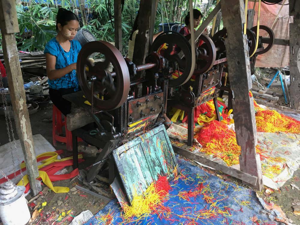 Gummibandproduktion