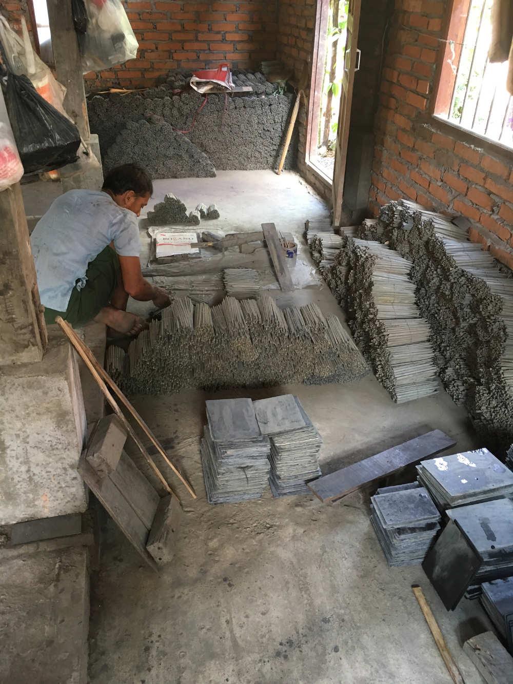 Schieferarbeiten in Myanmar