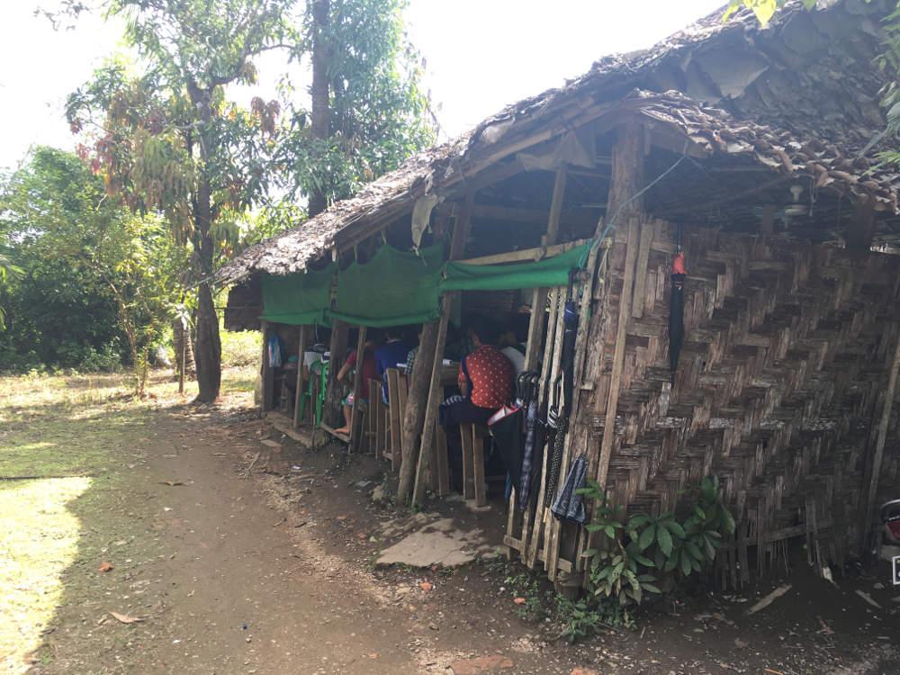 Dorfschule in Myanmar