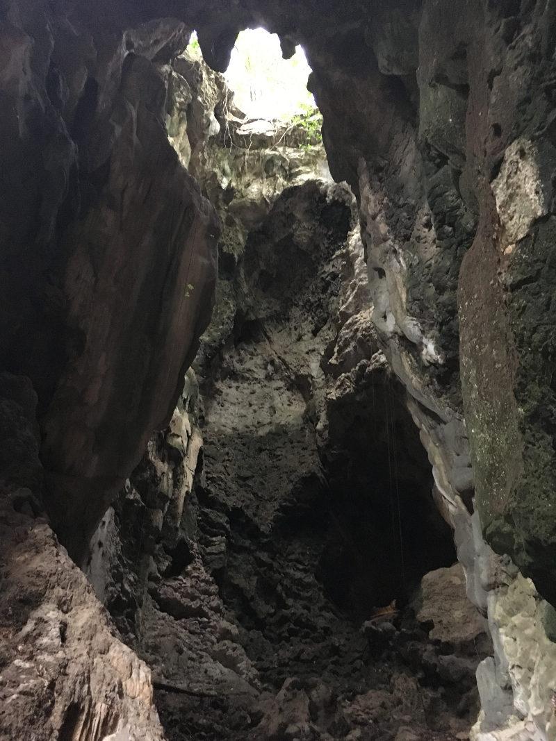 Killing Cave der Roten Khmer bei Battambang (von unten)
