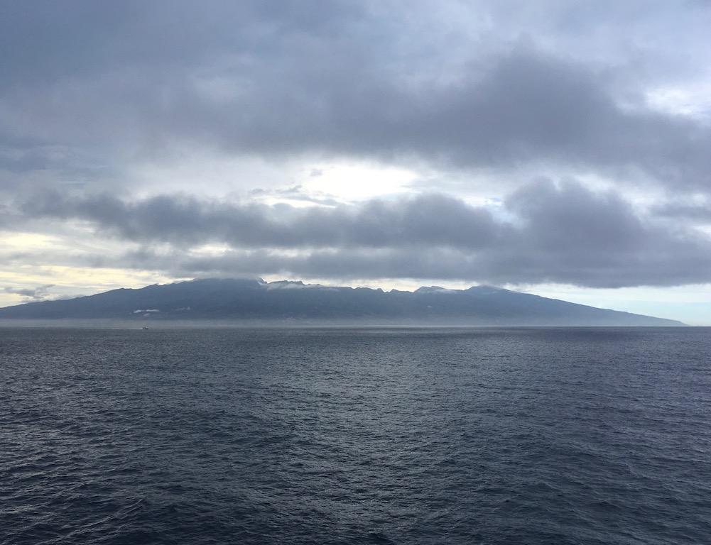 Blick auf Tahiti – regnerisch