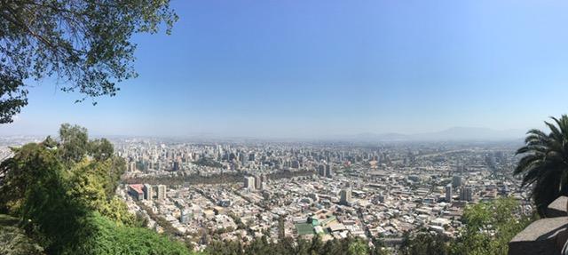 Santiago - Blick vom Cerro San Cristobal, der Hügel, der das Stadtbild dominiert