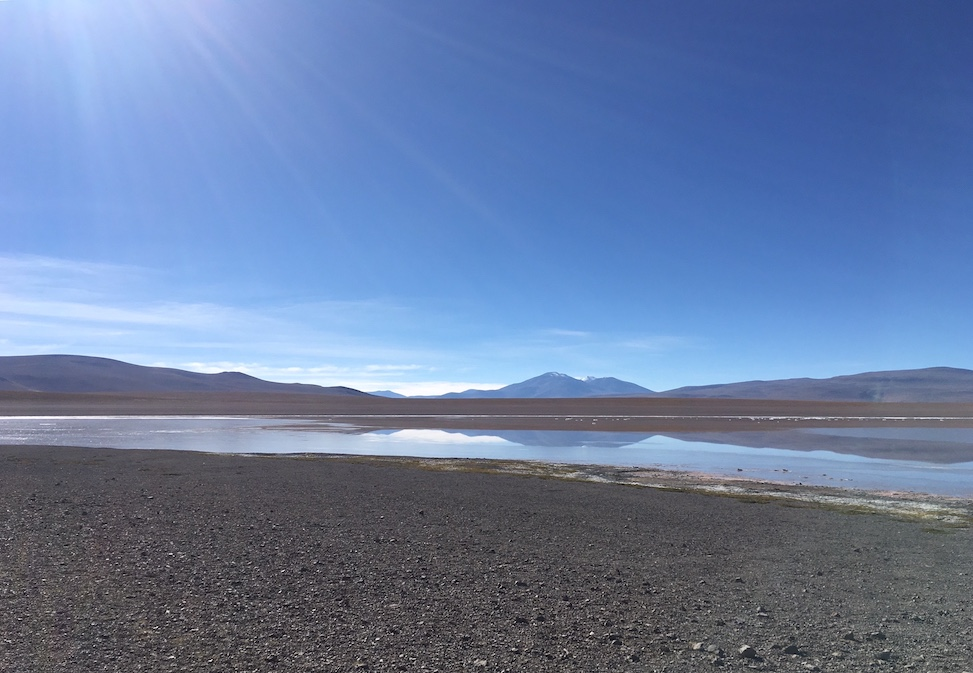 Salar de Uyuni-Tour, Vulkan im Hintergrund