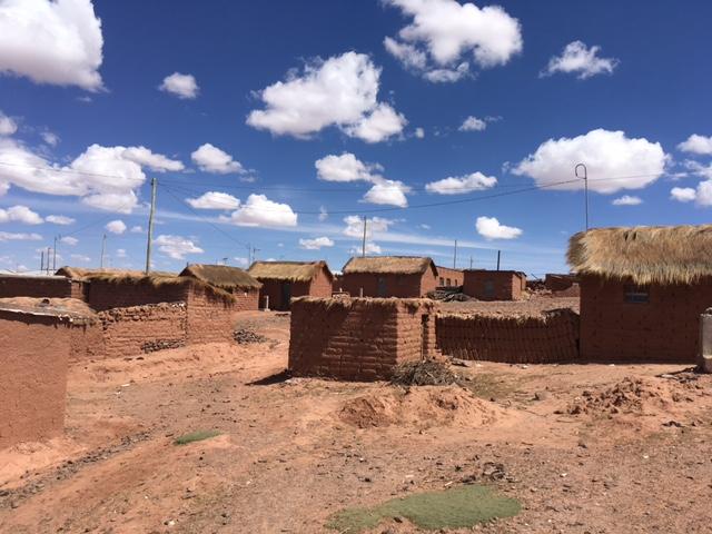 Uyuni-Tour: Ein staubiges Dorf im Niemandsland.