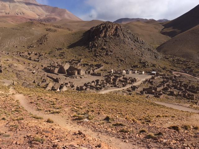Uyuni-Tour: Alte Ruinen von Minenarbeitern.
