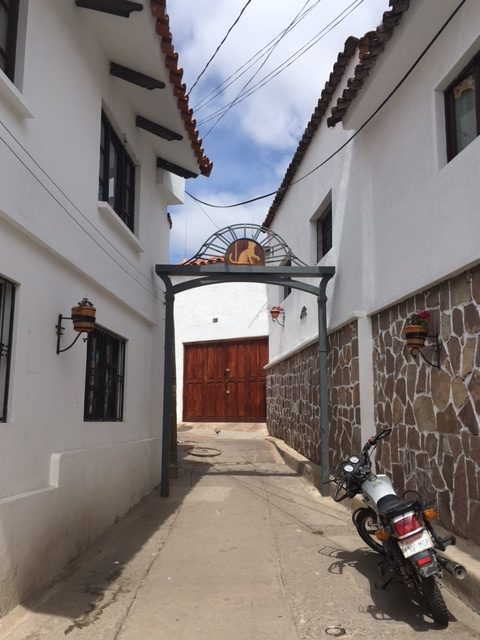 Die Straße der Schwarzen Katze in Sucre