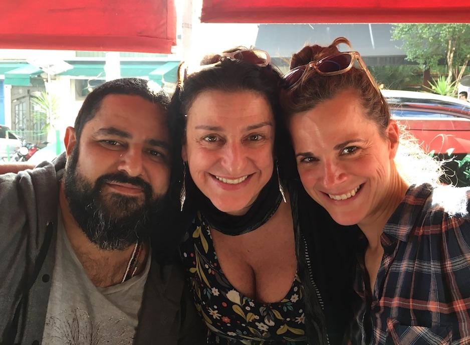 São Paulo: Wo wir schon beim Film sind: Prompt lerne ich die Schauspielerin Grace Gianoukas mit ihrem Produzenten und Ehemann kennen. Auf den Spuren ihrer kulinarischen Empfehlungen wandle ich anderntags.