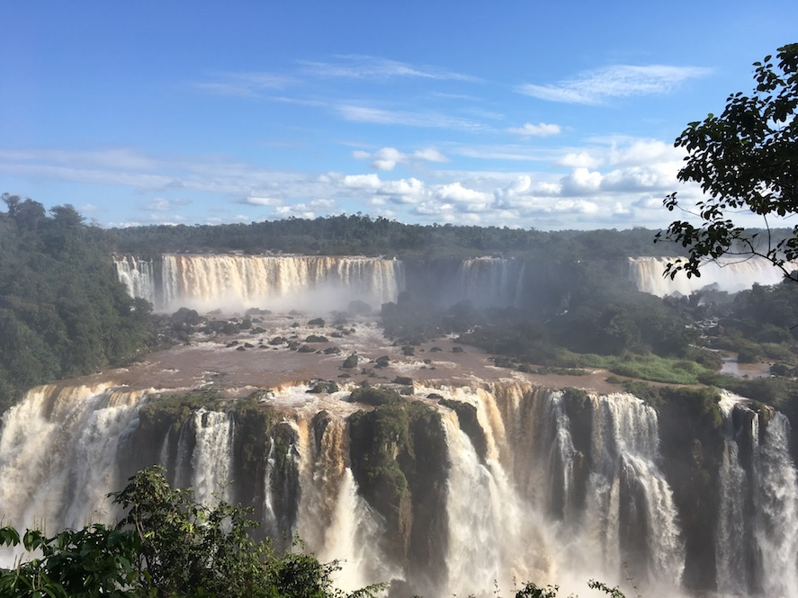 Iguaçu-Fälle, etwas näher dran.