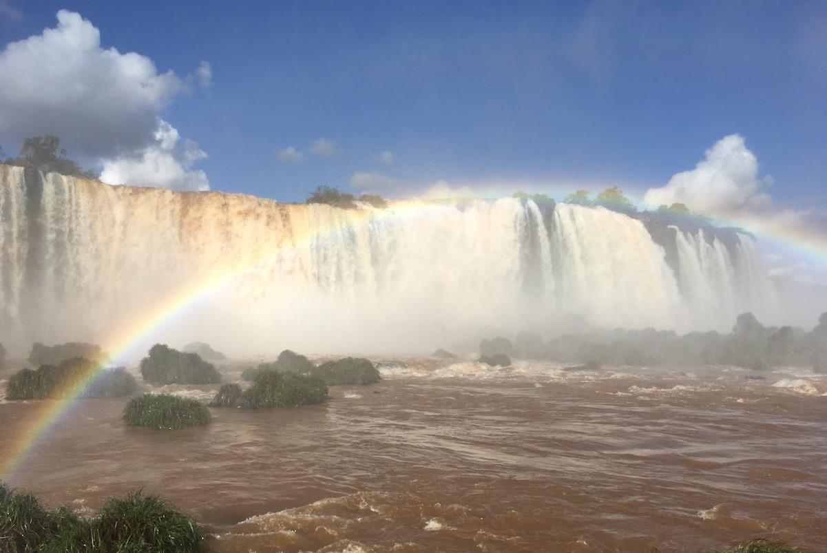 Iguaçu-Fälle - ein letzter Regenbogen