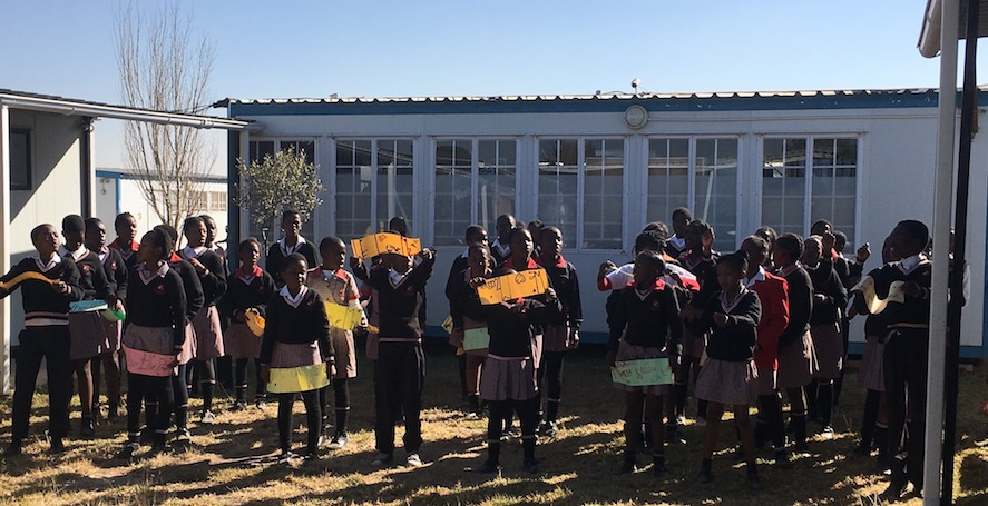 Mit Uhambo Africa in Diepsloot: Tanz der Kinder