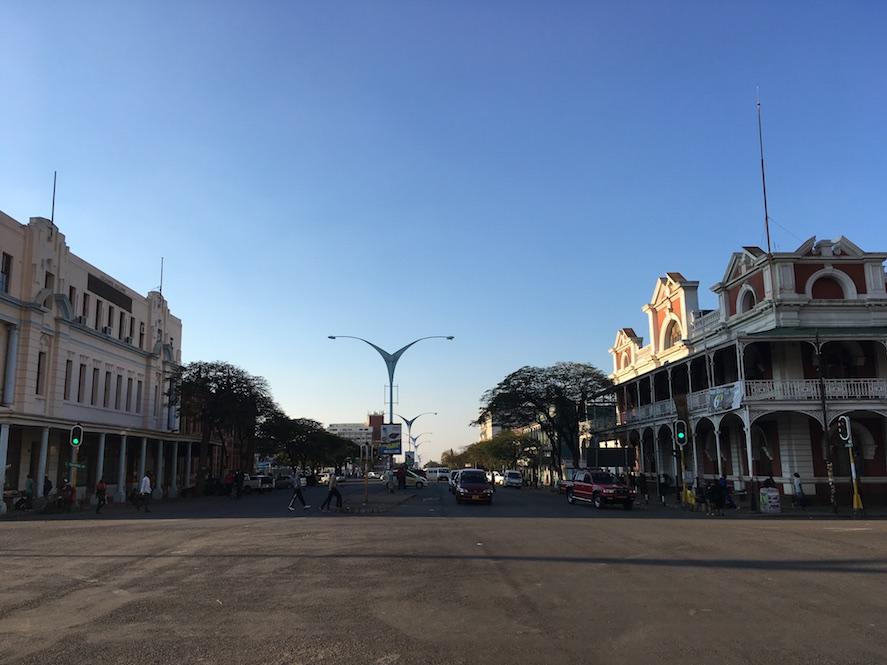 Bulawayo – allzu viel ist nicht los auf den Straßen...